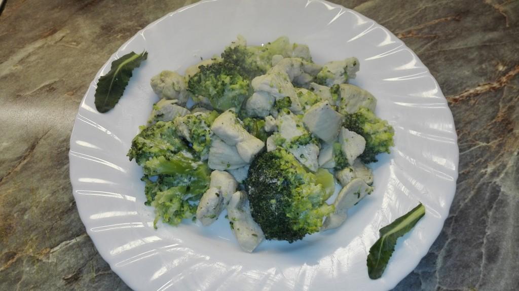 Brokkolis tejszínes csirkemell